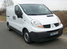 Camion Renault trafic dci 150 cv