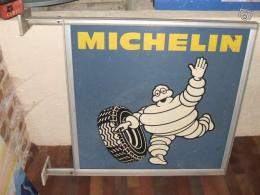 Enseigne Michelin double face